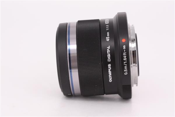 Olympus 45mm f/1.8 M.ZUIKO DIGITAL