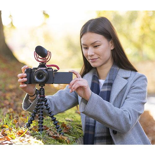 X-S10 Mirrorless Camera in Black with XC15-45mm Lens and Vlogger Kit Product Image (Secondary Image 10)
