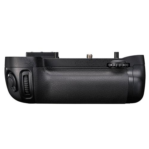 MB-D15 Battery Grip for D7100 Product Image (Primary)