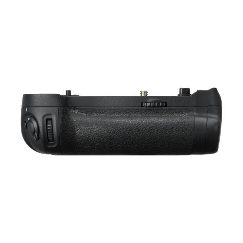 MB-D18 Multi-Battery Grip Product Image (Secondary Image 1)