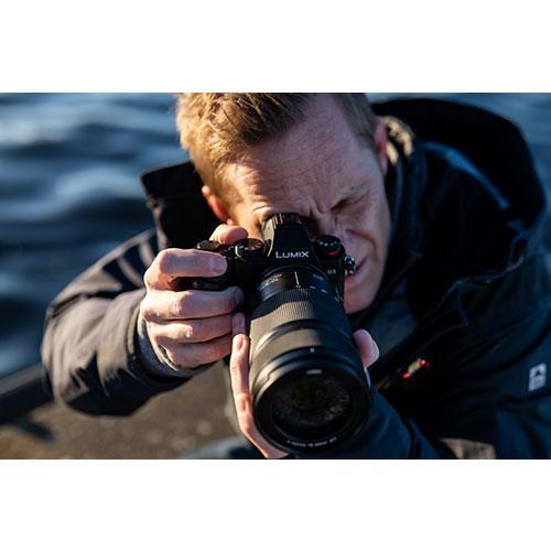Lumix S 70-300mm F4.5-5.6 Macro O.I.S.Lens Product Image (Secondary Image 4)