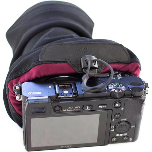 PEAK DESIGN SHELL MEDIUM BAG Product Image (Secondary Image 4)