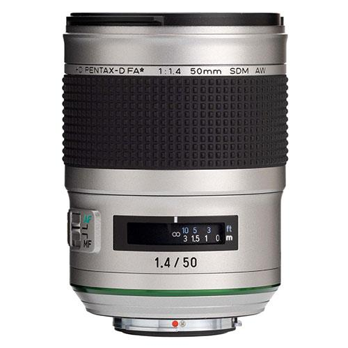 HD FA 50mm F1.4 SDM AW Silver Edition Lens Product Image (Secondary Image 1)
