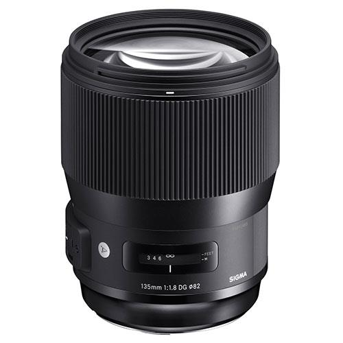 135mm f/1.8 DG HSM Lens Canon Fit Product Image (Secondary Image 1)