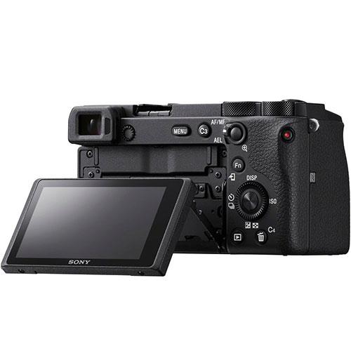 A6600 Mirrorless Camera in Black with 18-135mm f/3.5-5.6 OSS Lens Product Image (Secondary Image 3)