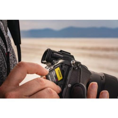 Sony TOUGH UHS-II SDXC 128GB Product Image (Secondary Image 1)
