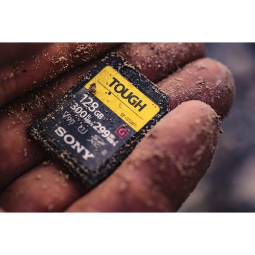 Sony TOUGH UHS-II SDXC 128GB Product Image (Secondary Image 2)
