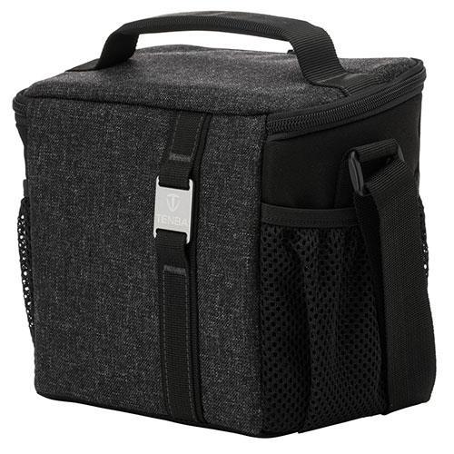 Skyline 8 Shoulder Bag in Black Product Image (Primary)