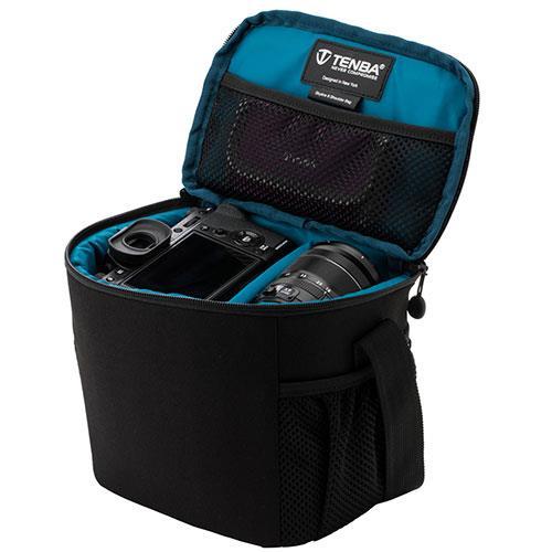 Skyline 8 Shoulder Bag in Black Product Image (Secondary Image 2)