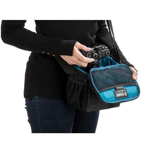 Skyline 8 Shoulder Bag in Grey Product Image (Secondary Image 3)