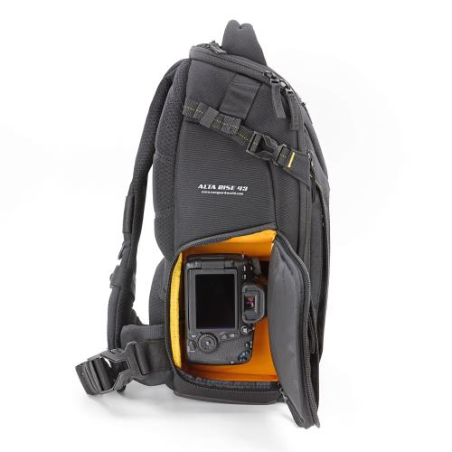 Alta Rise 43 Sling bag Product Image (Secondary Image 6)