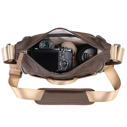 Veo Go 21M Shoulder Bag in Khaki Product Image (Secondary Image 3)
