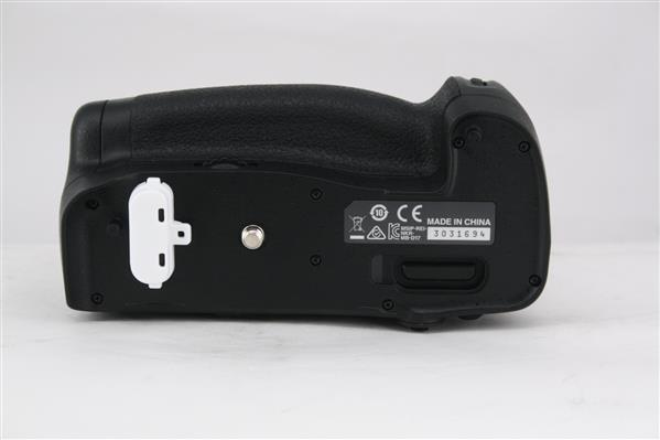 MB-D17 Multi Power Battery Pack - Secondary Sku Image