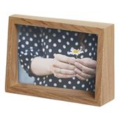 A picture of Umbra Edge Photo Display 10x15cm Natural