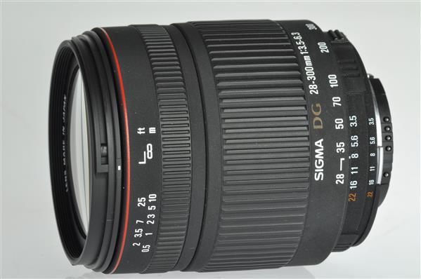 Sigma 28-300mm f/3.5-6.3 DG Macro (Nikon AF)
